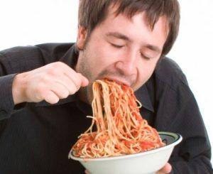 Comer demasiado rapido
